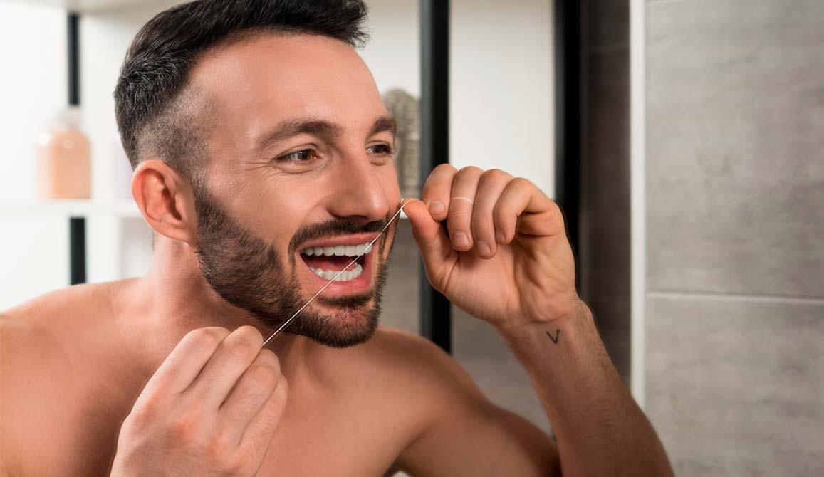 como-usar-hilo-dental-sin-hacerte-un-lio-2-www.dentalpenalver.com
